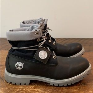 Timberland Roll Top Black Boots  Size 10.5 M